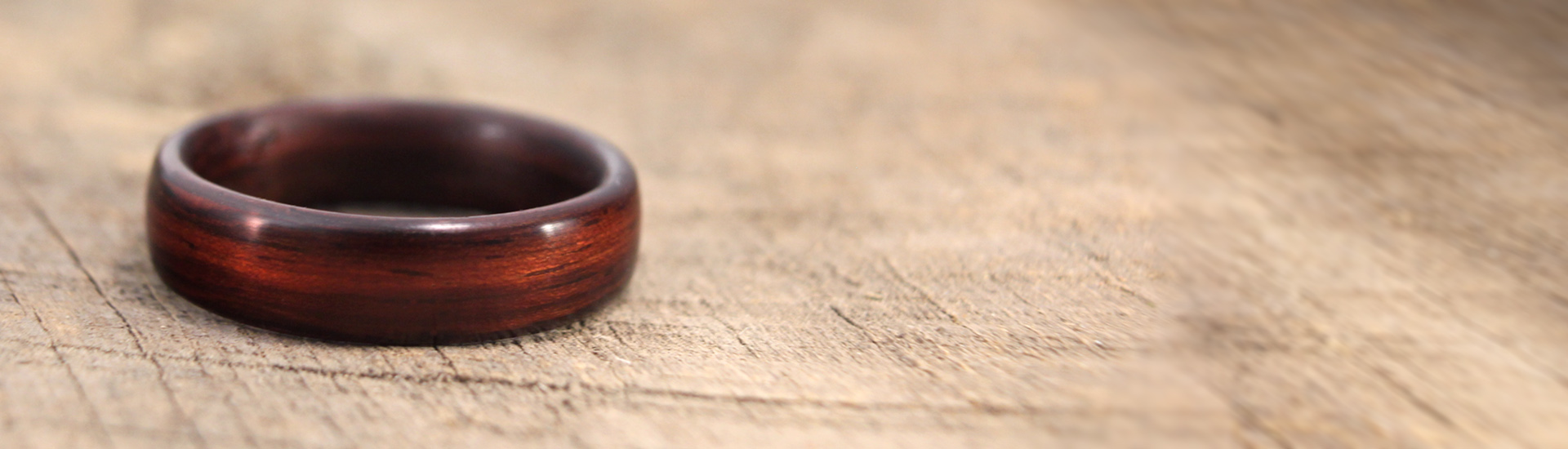 main-page-indian-rosewood-bentwood-ring
