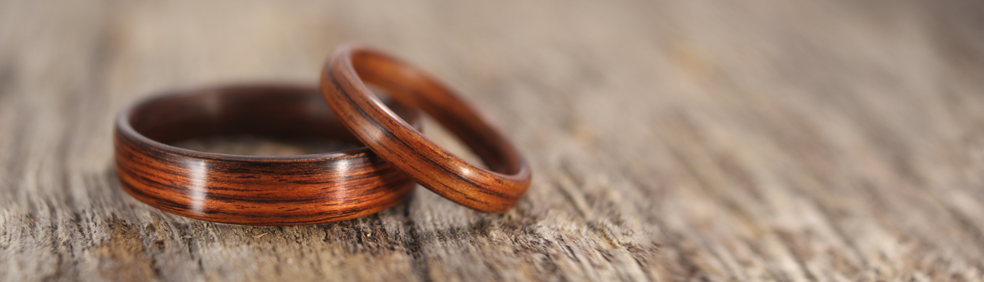 main-page-kingwood-bentwood-ring-pair2